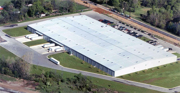 T & R INVESTMENT'S DISTRIBUTION WAREHOUSE